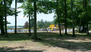 Playground & horseshoe pits